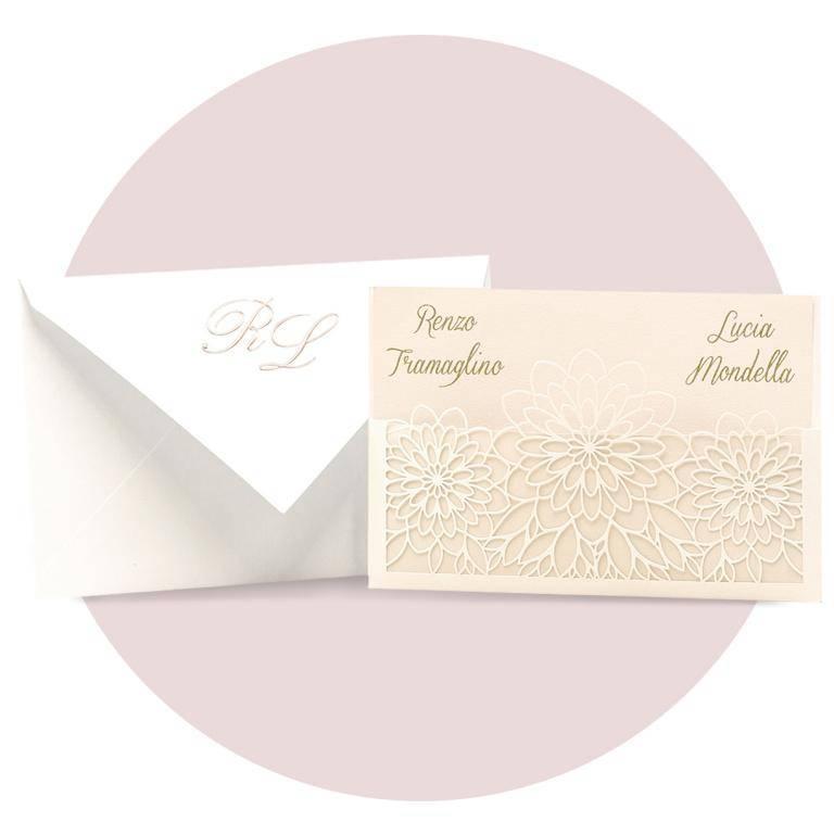 Partecipazione di nozze modello 'laser' nei colori avorio perlato e rosa cipria